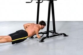 Allenamento competitivo con il Basic Trainer e il Power Rack Powertec - Power Rack